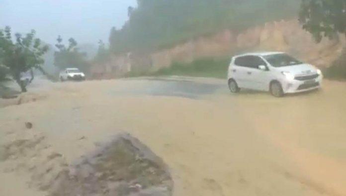 banjir, turunan semboja, drainase, drainase sanggau, rumah warga banjir