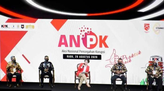 Bupati Kubu Raya dan Kades Sumber Agung saat menjadi pembicara di KPK yang menjelaskan tentang pengelolaan dana desa dengan sistem transaksi nontunai.