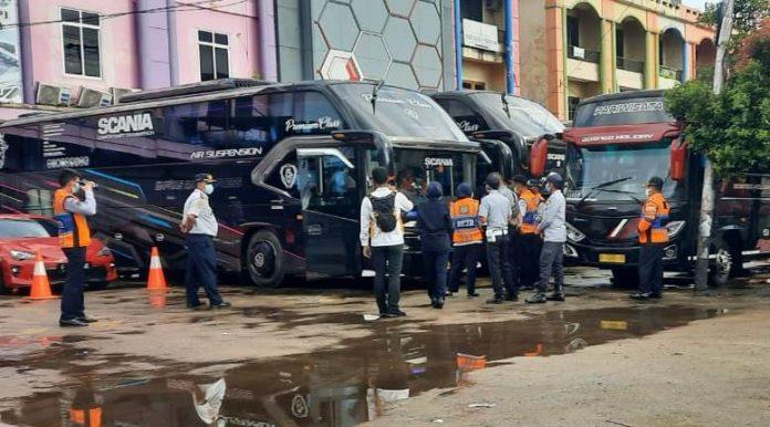 Bis yang dilakukan ramp check menjelang Idul Fitri oleh petugas gabungan.