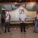 Tim kejaksaan dari Kejati Kalbar dan Yogyakarta berhasil menangkap terpidana R. Nurcahyo Wiyono setelah buron hampir empat tahun