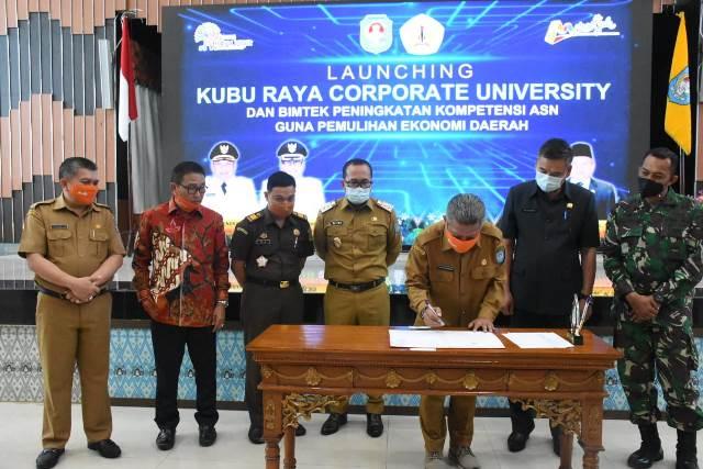 Bupati Kubu Raya launching Kubu Raya Corporate university dan bimbingan teknis peningkatan ASN