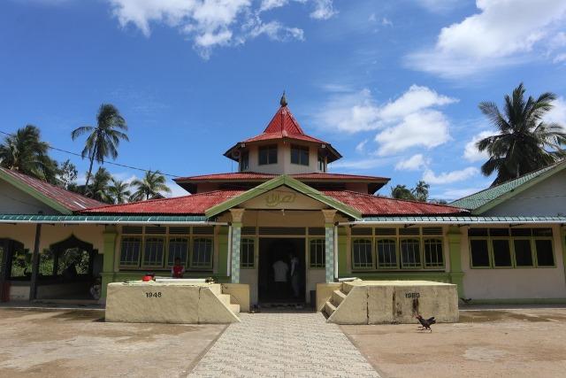 Masjid Batu atau Masjid Nasrullah yang terletak di Desa Selat Remis menjadi salah satu daya tarik wisata budaya yang dicanangkan menjadi Desa Pemajuan Kebudayaan.