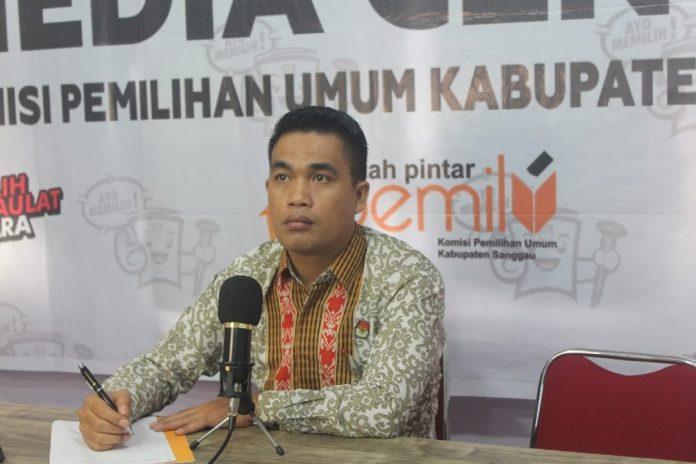 Ketua KPU Sanggau Martinus Sumarto saat webinar persiapan tahapan pemilu