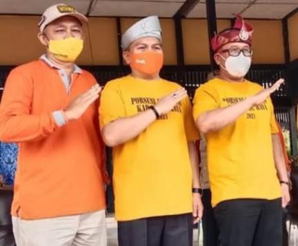 Tenaga Ahli Pengembangan Teknologi Tepat Guna Kubu Raya, Sekda dan Wakil Bupati Kubu Raya saat menghadiri pembukaan Porseni Abpednas