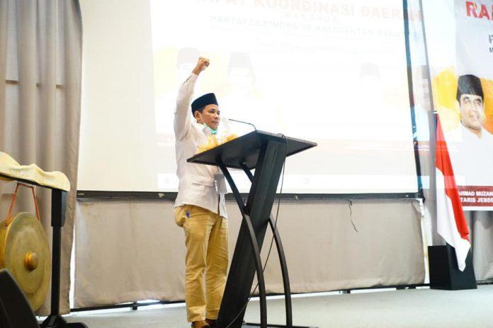 Yuslanik yang diganti oleh Mansur Zahri sebagai Ketua DPC Partai Gerindra Kubu Raya