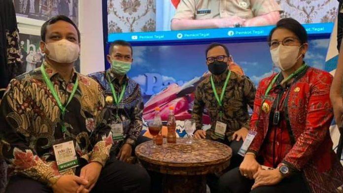 Wali kota Singkawang mengikuti Indo Smart City Forum & Expo (ISCFE) 2021 di Yogyakarta yang digelar Asosiasi Pemerintah Kota Seluruh Indonesia (Apeksi)